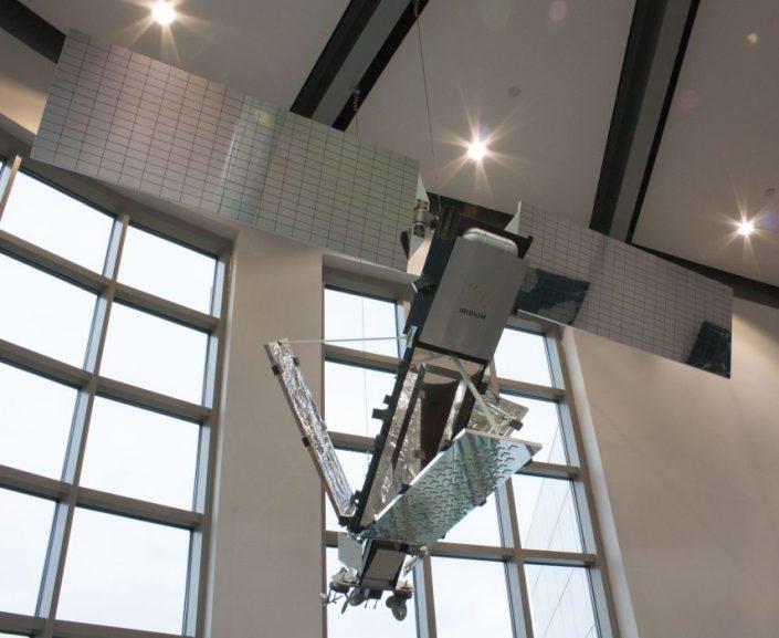 Satelit Iridium první generace od firmy Motorola (foto: Pavel Mašek)